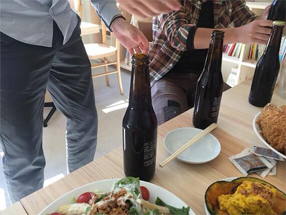 昼からビールの会