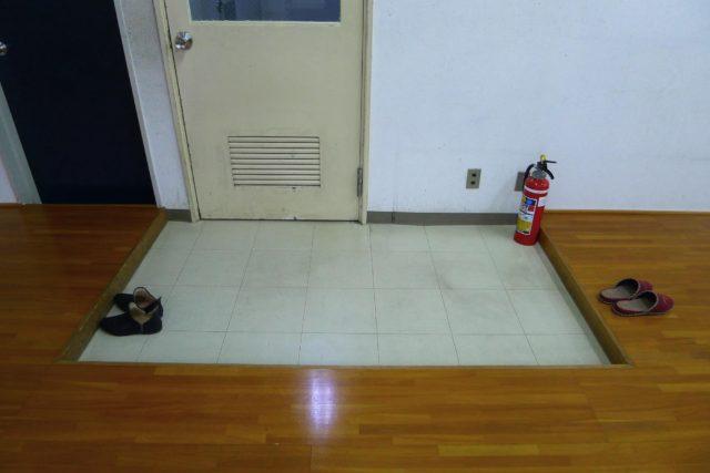 物件情報③ 駅前路地ビルの二階:眺めのよいオフィス